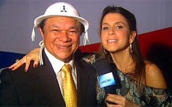 Sarah Oliveira em prêmio de música brasileira - A apresentadora entrevistou artistas como Dominguinhos, homenageado do evento.