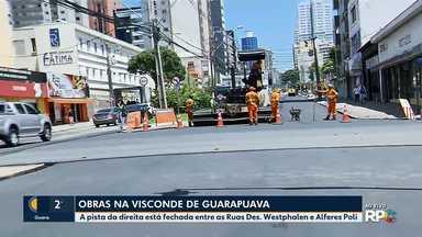 Obra interdita trânsito na pista da direita da Visconde de Guarapuava - A pista da direita está fechada entre as Ruas Des. Westphalen e Alferes Poli.