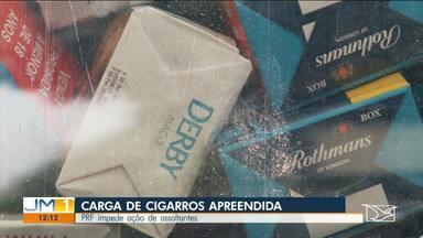 PRF impede roubo de carga de cigarros na BR-010 entre Imperatriz e Açailândia - Pelo menos cinco homens armados participaram da ação criminosa.