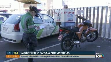 Motoentregadores passam por vistoria na Cettrans - Apenas 15 motocicletas regulamentadas foram fiscalizadas.