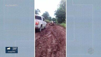 Alunos estão sem estudar por conta de estradas intransitáveis em assentamento - Sisep diz que deve fazer patrolamento na região na próxima semana.