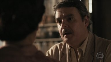 Afonso garante a Lola que Shirley está tramando contra os dois - Depois que Lola conta o relato de Durvalina, Afonso está certo da artimanha da ex