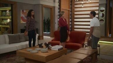 Téo afirma que Luna/Fiona continuará sendo sua fisioterapeuta - Ele não se conforma com a implicância de Helena com a moça