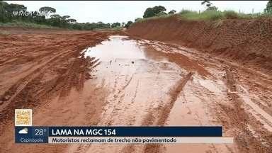 Motoristas têm dificuldade em trafegar na MGC-154 entre Ituiutaba e Campina Verde - Os cerca de sete quilômetros de estrada de terra são sinal de problemas, principalmente na época de chuva.