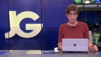 Bolsonaro dá nova versão sobre vídeo compartilhado por ele e diz que publicação é de 2015 - Jornalista atacada pelo presidente divulgou três vídeos para comprovar o que já havia dito.