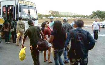 Direito do Cidadão: os reflexos da paralisação dos ônibus - Paulo Roque afirma que os funcionários que não conseguiram chegar ao trabalho por causa da paralisação dos ônibus não podem ter um dia de serviço descontado do salário.