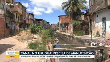 Moradores do bairro do Uruguai reclamam de transtornos causados por canal - Quem vive na rua 1º de Janeiro diz que o equipamento não passa por uma manutenção há uma década.