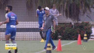 Santos encara o Palmeiras no Pacaembu - Clássico será realizado no sábado (29), às 16h em São Paulo. Nos bastidores da Vila Belmiro, o assunto é o possível retorno do atacante Robinho.