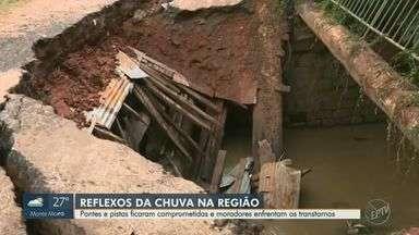 Chuvas na região deixam pontes e pistas comprometidas e moradores enfrentam os transtornos - As obras de reconstrução dos trechos afetados aumentam o caminho e tempo de deslocamento entre os bairros.