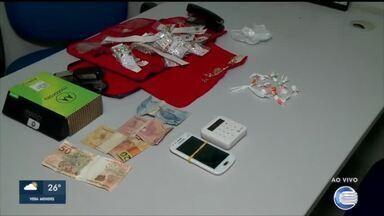 Operação da Depre contra o tráfico prende 3 pessoas e apreende drogas, armas e dinheiro - Operação da Depre contra o tráfico prende 3 pessoas e apreende drogas, armas e dinheiro