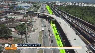 Trânsito da entrada de Santos tem alterações por causa das obras de drenagem - A partir de segunda-feira algumas mudanças acontecem no trânsito da entrada da cidade.