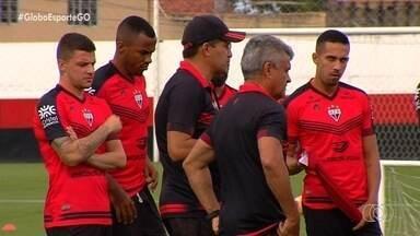 Com técnico interino, Atlético-GO disputa a liderança do Goianão com o Jaraguá - Equipes se enfrentam na tarde deste sábado de olho na ponta da tabela