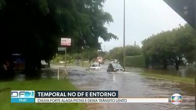 Notícias desta sexta (29): morte no Lago Paranoá e temporal no DF e entorno - Corpo de mergulhadora, de 46 anos, foi encontrado perto das comportas da barragem. Temporal que atingiu DF e entorno deixou pistas alagadas.