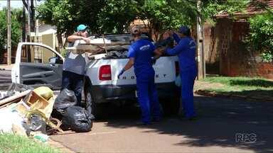 Moradores do Conjunto Ouro Branco em Umuarama fazem mutirão de limpeza - Moradores, voluntários e funcionários da prefeitura limparam terrenos e quintais.