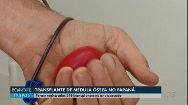 Paraná registra quase 300 transplantes de medula óssea - Cadastro simples pode ligar doador a quem precisa do transplante.