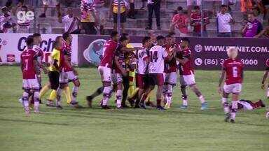 River-PI x Flamengo-PI: clássico tem confusão e três expulsos - River-PI x Flamengo-PI: clássico tem confusão e três expulsos