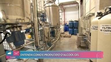 Conheça o processo de produção do álcool gel - Com o início da epidemia de coronavírus, o consumo de álcool gel cresceu vertiginosamente. Fábricas tentam se adaptar para aumentar a produção