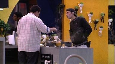 Felipe reclama sobre brothers: 'Não é possível que todo mundo se ama' - Felipe reclama sobre brothers: 'Não é possível que todo mundo se ama'
