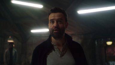 Episódio 6 - Hall e Moloney fazem uma pausa na caça a Jamie. Daniel questiona até onde é capaz de ir para salvar alguém que ama.