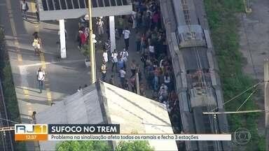 Problema na sinalização afeta todos os ramais de trens do Rio - Os passageiros tiveram muitos problemas nesta sexta-feira (13). Ao todo, 3 estações foram fechadas.