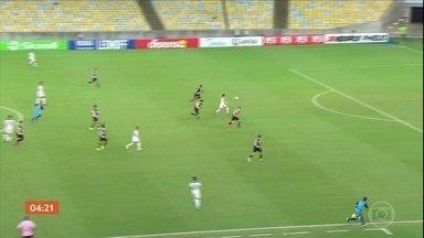 Fluminense vence o Vasco por 2 a 0 - Pelo Campeonato Carioca, Botafogo e Bangu empatam em 1 a 1. São Paulo vence o Santos por 2 a 1. Cléber Machado, o Caio e o Casagrande fizeram um balanço dos clubes paulistas na rodada.