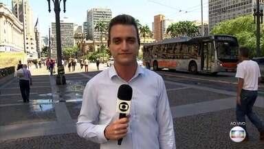 Prefeitura de São Paulo publica decreto de emergência para enfrentar coronavírus - Entre as medidas está a adoção do 'home office', gestantes, lactantes, maiores de 60 anos e pessoas de riscos vão ter que trabalhar de casa.