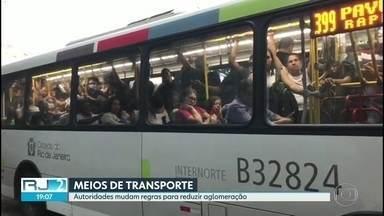 Autoridades anunciam restrições de circulação entre regiões e de lotação de ônibus - Governo e prefeitura mudam regras para reduzir aglomeração nos meios de transporte.