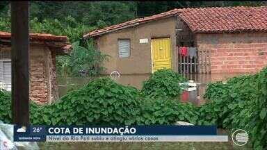 Nível do Rio Poti atinge cota de inundação e invade casas - Nível do Rio Poti atinge cota de inundação e invade casas