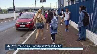 Pais recebem recomendação de não mandar crianças para aula em Praia Grande - Escolas da Baixada Santista vão suspender aulas a partir da próxima segunda-feira (23).