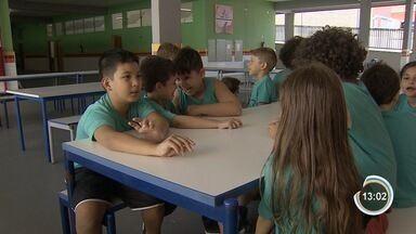 Salas de aulas estão quase vazias em Taubaté - Só mesmo as crianças que não tem com quem ficar estão sendo atendidas.
