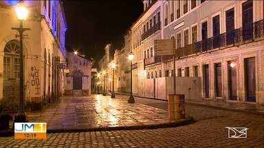 Coronavírus diminui movimentação de pessoas em São Luís - Na noite dessa sexta-feira (20) a recomendação de isolamento social mudou a paisagem em tradicionais locais de diversão e pontos turísticos da capital.
