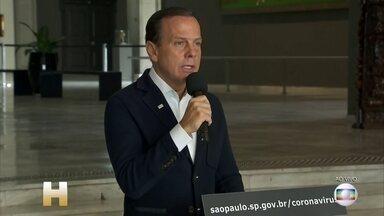 Número de mortes por coronavírus em SP sobe para 15, segundo governo do estado - Governador João Doria (PSDB) também afirmou neste sábado (21) que irá determinar quarentena, pelo período de 15 dias, a partir da próxima terça-feira (24).