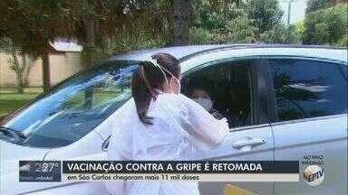 Novas doses de vacina contra a gripe chegam e campanha é retomada em São Carlos - Veja como foi a manhã de vacinação na cidade.