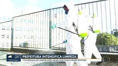 Prefeitura intensifica limpeza em espaços públicos na capital para combater coronavírus - 75 endereços estão sendo higienizados, sobretudo entorno de unidades de saúde.