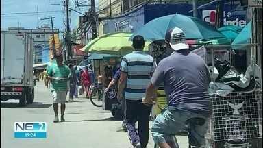 Moradores de Jaboatão descumprem medidas e prefeito diz que pediu ajuda ao Exército e à PM - Em vários bairro da cidade, as pessoas circulam se tomar cuidados com o novo coronavírus