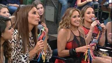 Ivete Sangalo elogia Daniela Mercury - Ela diz que Daniela é bailarina profissional e todos elogiam a cantora