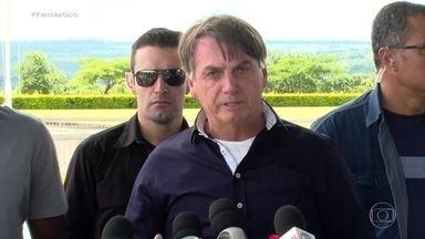 Bolsonaro passeia por Brasília um dia após ministro da Saúde defender isolamento social - Na volta do passeio, o presidente coltou a se posicionar contra o isolamento mais geral defendeu apenas o isolamento de idosos e grupo de risco.