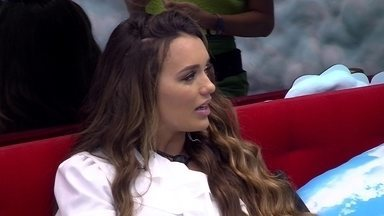 Rafa alerta Manu: 'Deixa de ser boba um pouco' - No Quarto Céu, Rafa, Gabi e Manu ainda repercutem fala de Felipe durante o programa