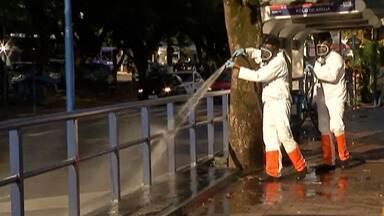 Cidades da região adotam medidas de limpeza para conter avanço do coronavírus - Em alguns municípios, funcionários fazem a limpeza de pontos com grande movimentação de pessoas.