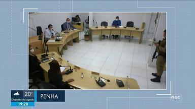 PM para sessão na Câmara de Penha por desobediência a decreto de prevenção ao coronavírus - PM para sessão na Câmara de Penha por desobediência a decreto de prevenção ao coronavírus