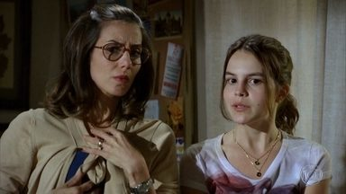 Carolina pensa em inscrever a avó no 'Lata Velha' - Letícia pensa em uma maneira de animar Vilma e a menina tem a brilhante ideia de inscrever a avó no programa do Luciano Huck