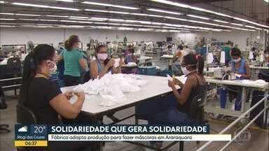 Fábrica adapta produção para fazer máscaras em Araraquara - 70 funcionárias estavam de férias coletivas e foram chamadas pra ajudar nessa corrente de solidariedade.