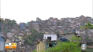 Secretaria de Saúde confirma 89 mortes no estado, sendo 5 na Rocinha e 3 em Manguinhos - Avanço do coronavírus nas comunidades preocupa porque combate 'a disseminação nas favelas é ainda mais difícil.