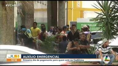 Filas se formam em frente a Caixa Econômica, em Belém, para resgate do auxílio emergencial - Filas se formam em frente a Caixa Econômica, em Belém, para resgate do auxílio emergencial
