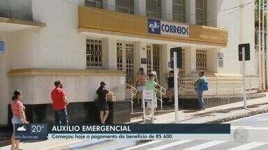 Começa o pagamento do auxílio mensal de R$ 600 durante a quarentena do coronavírus - Moradores com problemas fizeram filas em bancos de São Carlos.