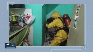 Mulher é morta e enterrada dentro de casa, em aglomerado de BH - Corpo estava debaixo de concreto, no porão da casa. A suspeita é que a vítima tenha sido morta pelo companheiro.