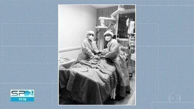 Jovem com Covid-19 dá à luz na UTI - Parto emergencial foi para salvar a vida da mãe e da criança. Bebê passou por exames e não está com a doença.