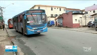 Motoristas de ônibus tem jornada reduzida devido ao novo coronavírus em São Luís - A medida afetou os passageiros, que estão sofrendo com a espera nas paradas.