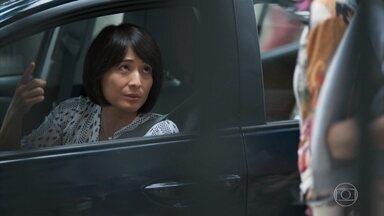 Telma aconselha Tina a se afastar de Anderson - undefined