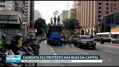 Manifestantes fizeram carreata pelas principais ruas da capital - Os apoiadores do presidente Jair Bolsonaro pediram a reabertura do comércio